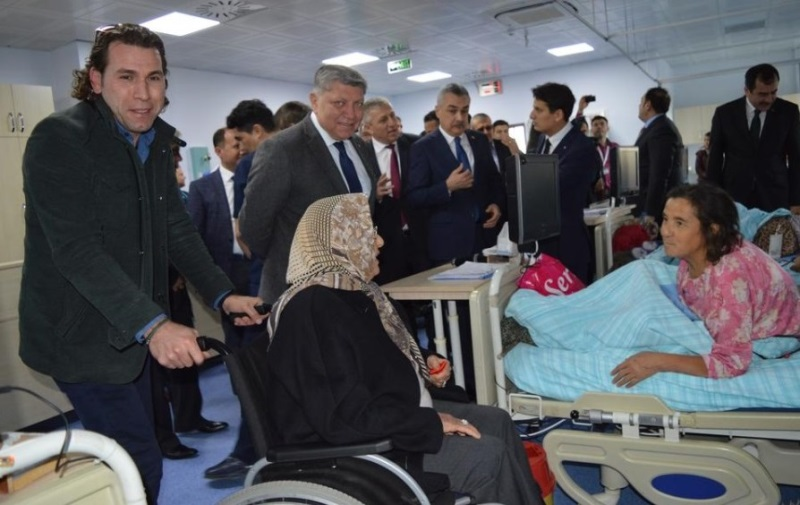 Kaltun Mining visiting patients at the hemodialysis center at Çine Hospital (Turkey).